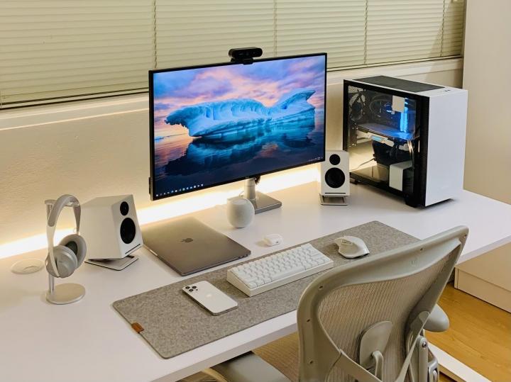 Show_Your_PC_Desk_Part221_100.jpg