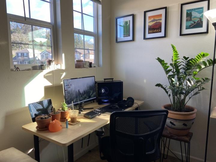 Show_Your_PC_Desk_Part221_10.jpg