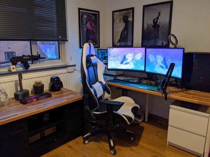 Show_Your_PC_Desk_Part221_14.jpg