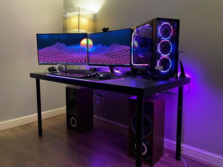 Show_Your_PC_Desk_Part221_20.jpg