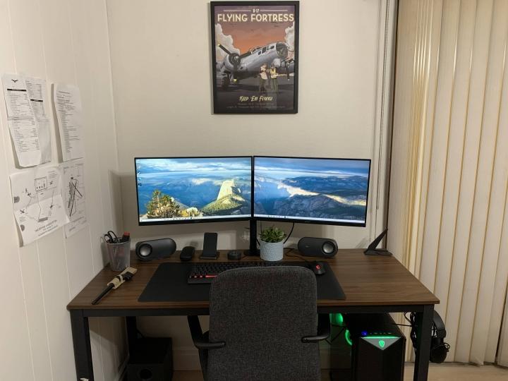 Show_Your_PC_Desk_Part221_21.jpg