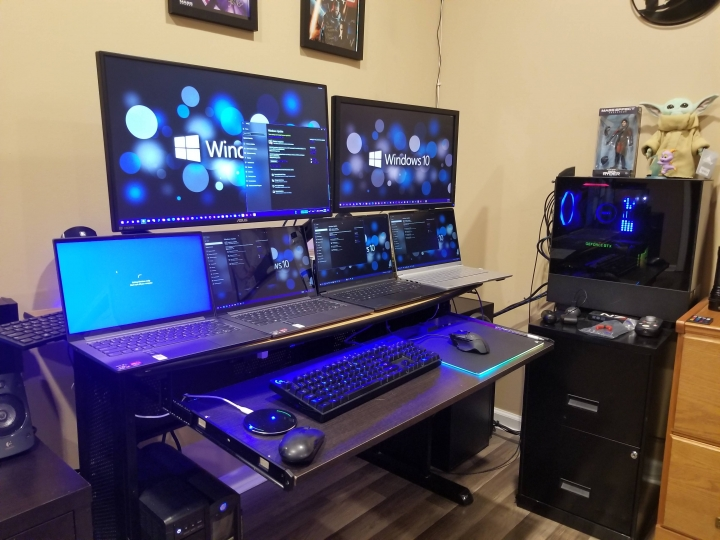 Show_Your_PC_Desk_Part221_24.jpg