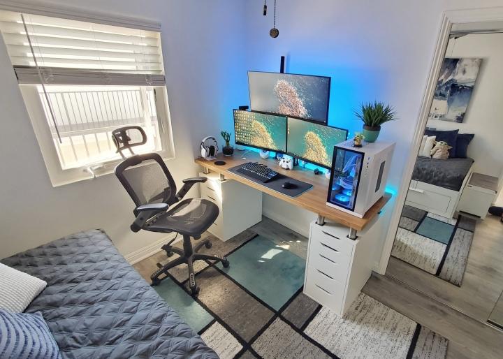 Show_Your_PC_Desk_Part221_28.jpg