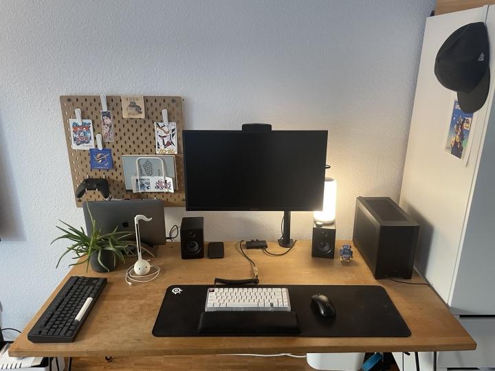 Show_Your_PC_Desk_Part221_30.jpg