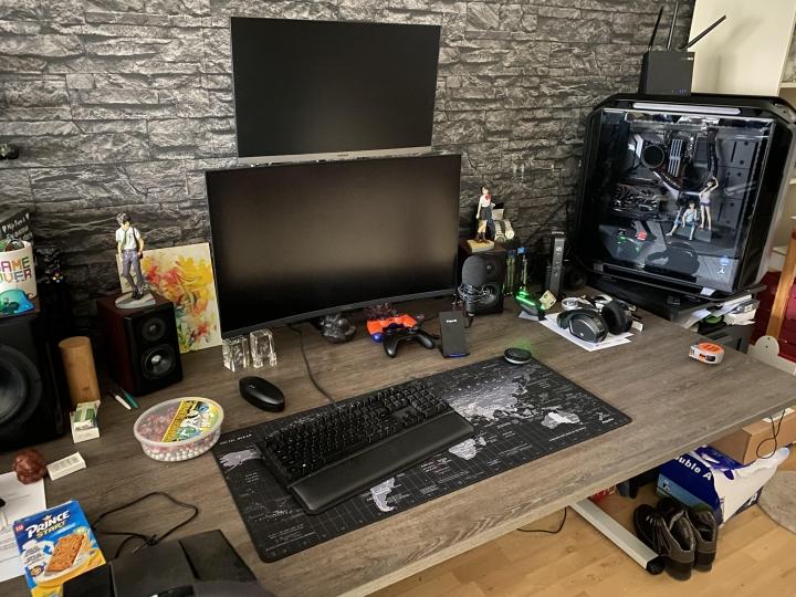 Show_Your_PC_Desk_Part221_37.jpg