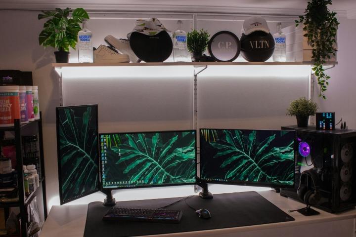 Show_Your_PC_Desk_Part221_53.jpg