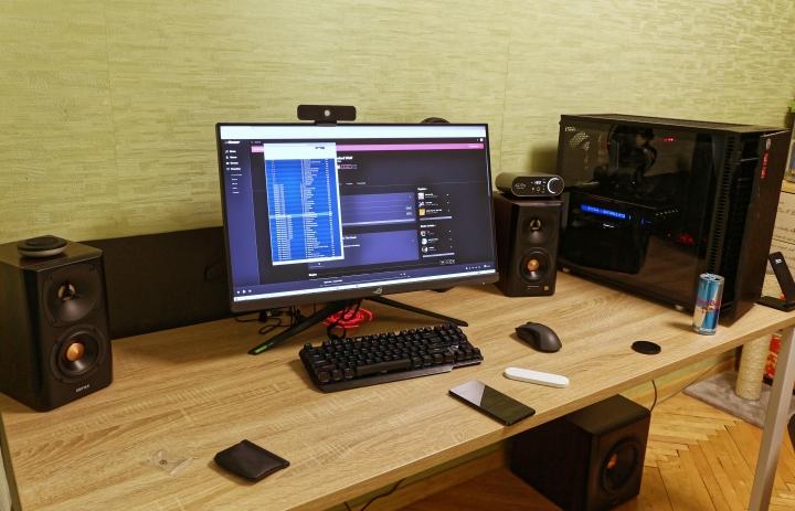 Show_Your_PC_Desk_Part221_54.jpg
