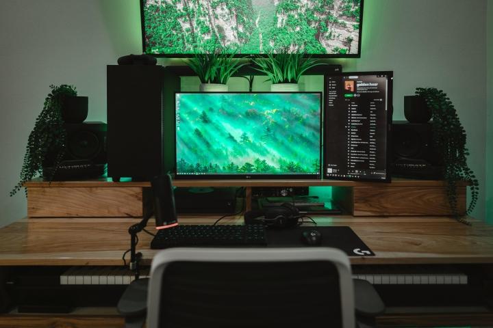 Show_Your_PC_Desk_Part221_56.jpg