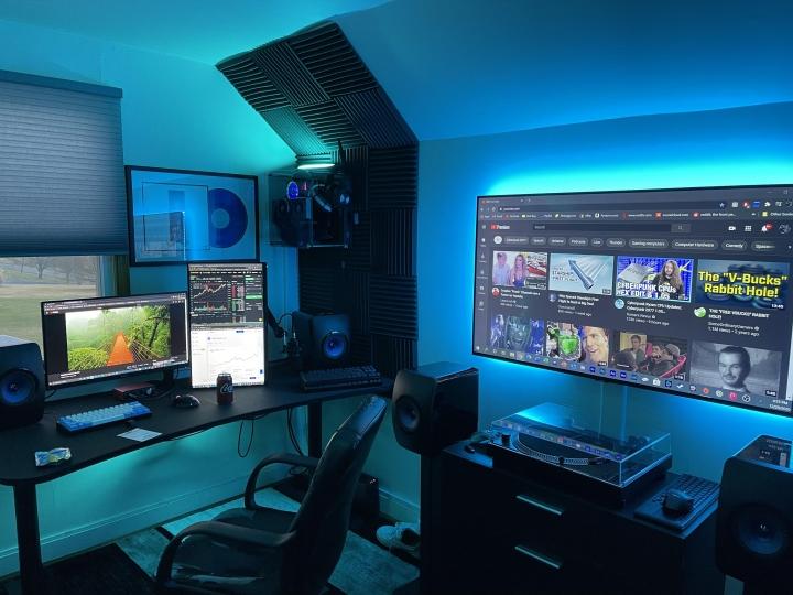 Show_Your_PC_Desk_Part221_69.jpg