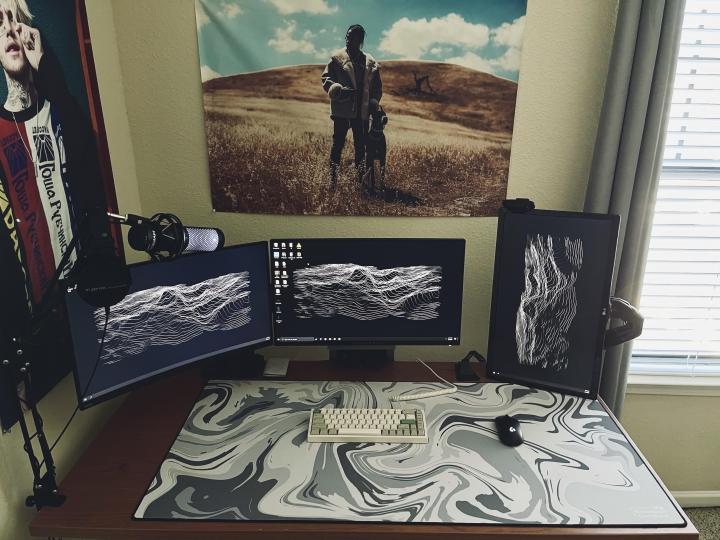 Show_Your_PC_Desk_Part221_76.jpg