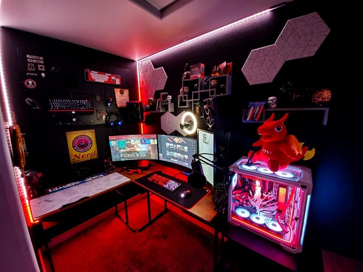Show_Your_PC_Desk_Part221_79.jpg