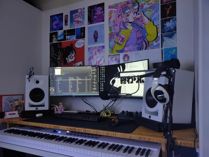 Show_Your_PC_Desk_Part222_06.jpg