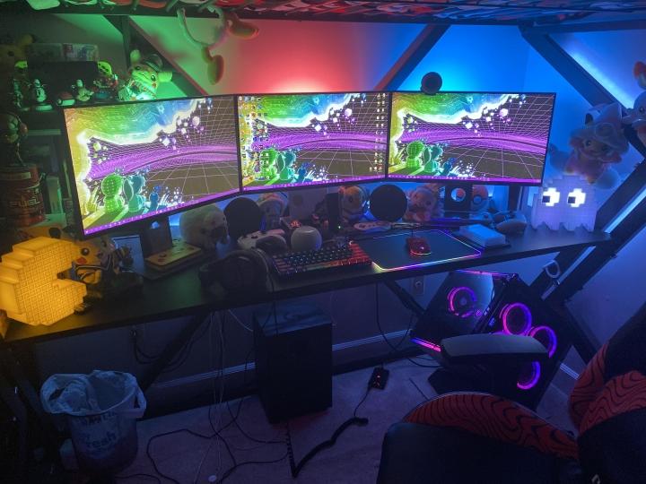 Show_Your_PC_Desk_Part222_09.jpg