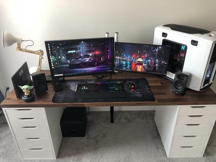 Show_Your_PC_Desk_Part222_15.jpg
