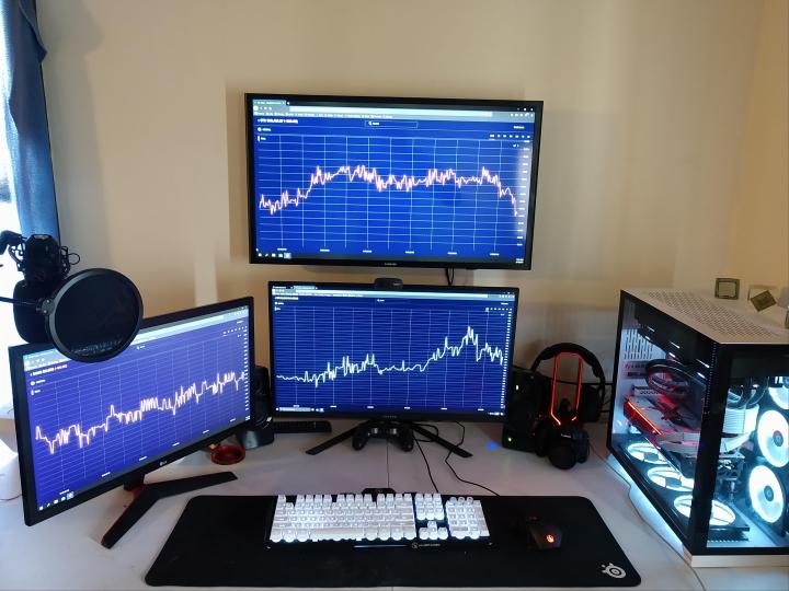 Show_Your_PC_Desk_Part222_16.jpg