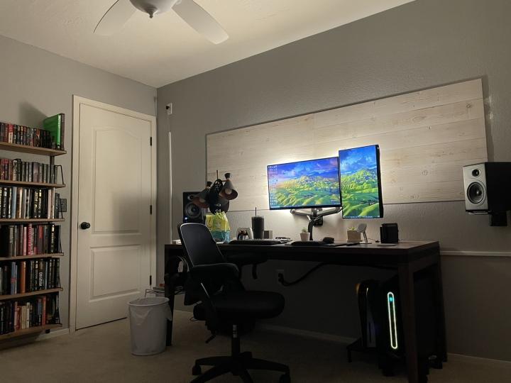 Show_Your_PC_Desk_Part222_29.jpg