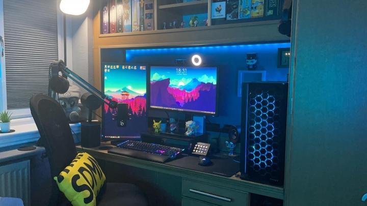 Show_Your_PC_Desk_Part222_31.jpg