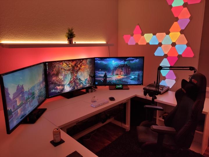 Show_Your_PC_Desk_Part222_32.jpg