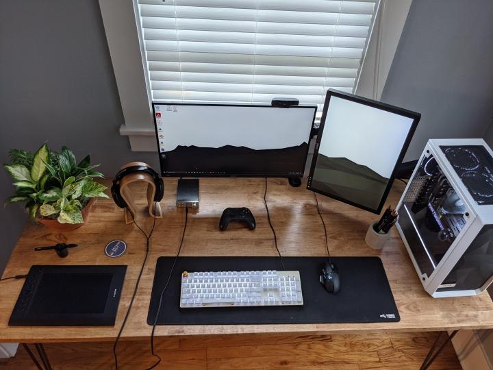 Show_Your_PC_Desk_Part222_40.jpg
