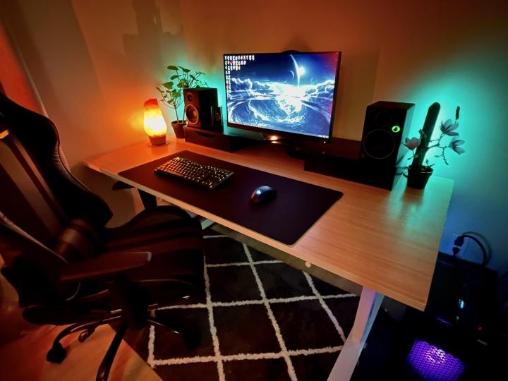 Show_Your_PC_Desk_Part222_44.jpg