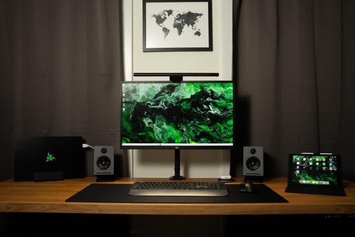 Show_Your_PC_Desk_Part222_46.jpg