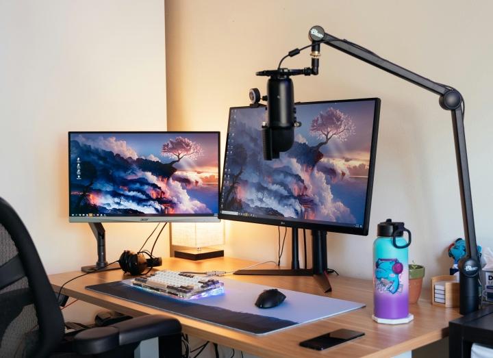 Show_Your_PC_Desk_Part222_56.jpg