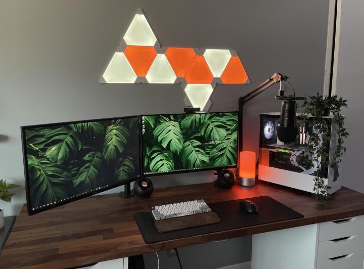 Show_Your_PC_Desk_Part222_94.jpg