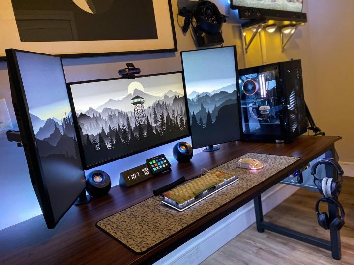 Show_Your_PC_Desk_Part222_98.jpg