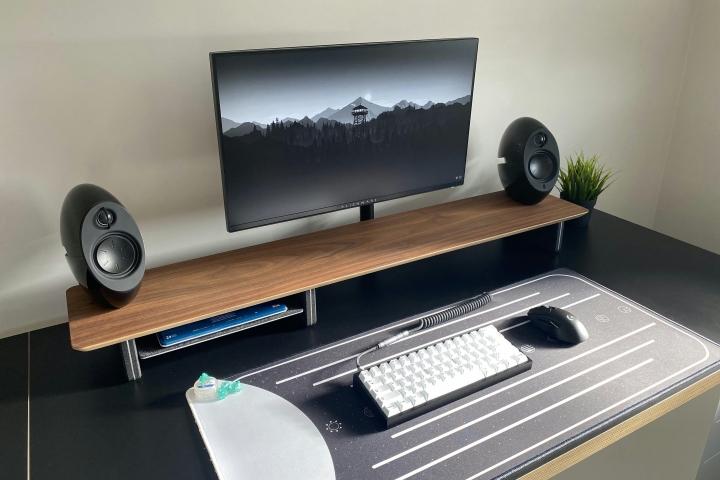 Show_Your_PC_Desk_Part223_01.jpg