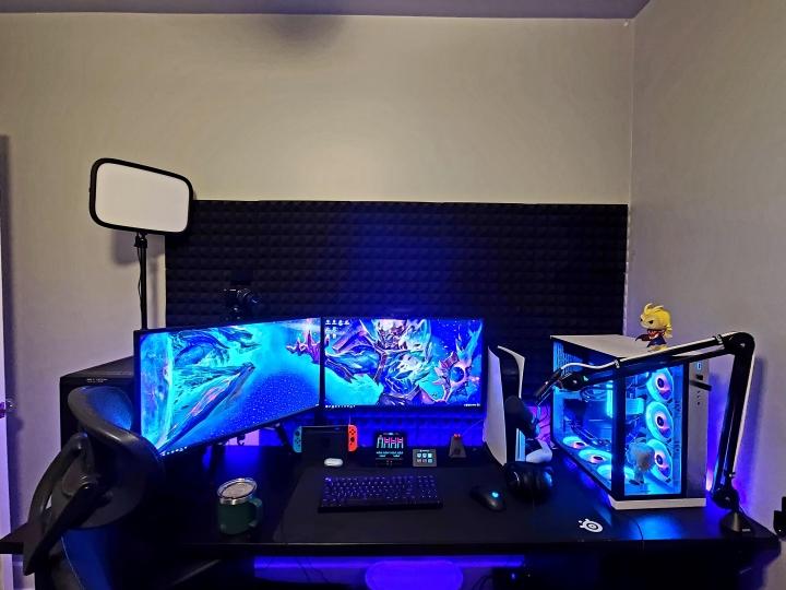 Show_Your_PC_Desk_Part223_02.jpg