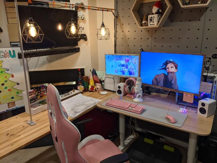 Show_Your_PC_Desk_Part223_09.jpg