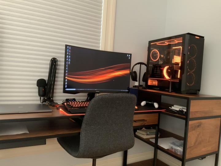 Show_Your_PC_Desk_Part223_12.jpg