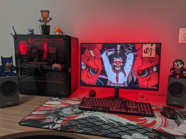 Show_Your_PC_Desk_Part223_13.jpg