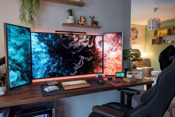 Show_Your_PC_Desk_Part223_19.jpg