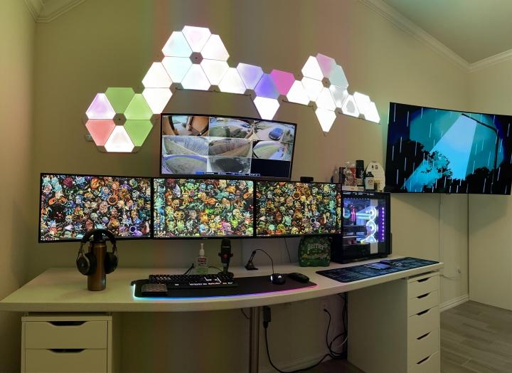 Show_Your_PC_Desk_Part223_26.jpg