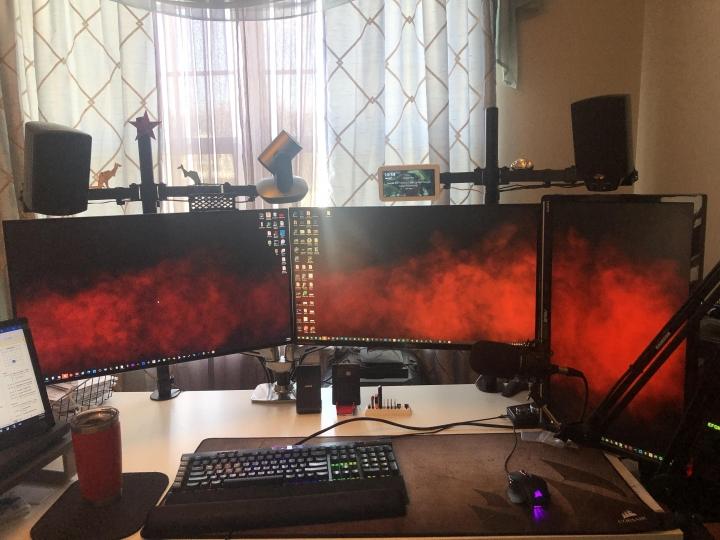 Show_Your_PC_Desk_Part223_52.jpg
