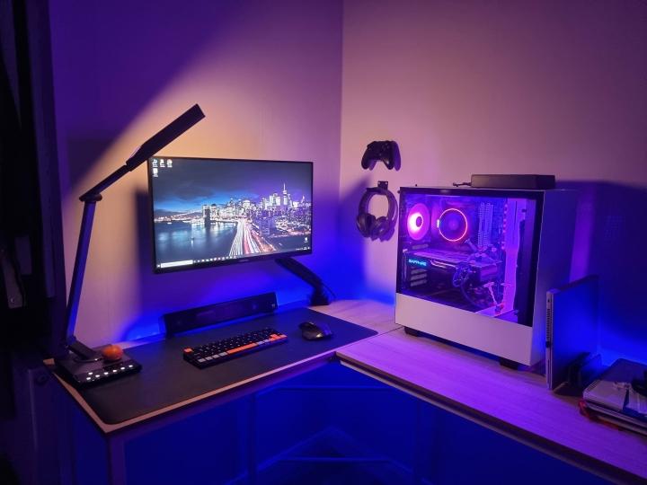 Show_Your_PC_Desk_Part223_56.jpg