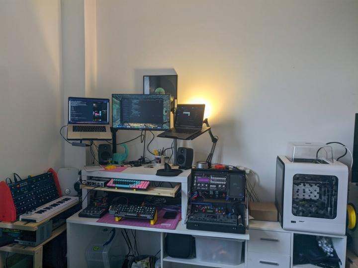 Show_Your_PC_Desk_Part223_63.jpg
