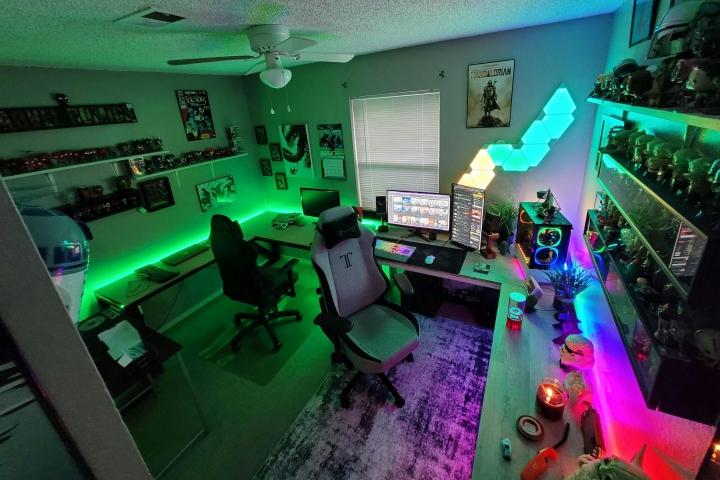 Show_Your_PC_Desk_Part224_01.jpg