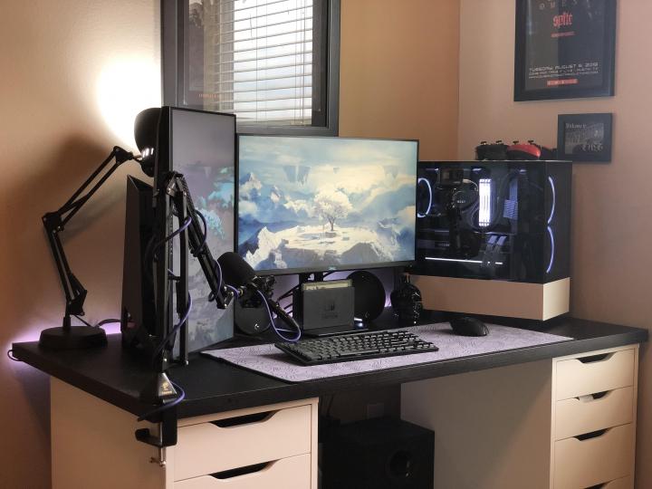 Show_Your_PC_Desk_Part224_02.jpg