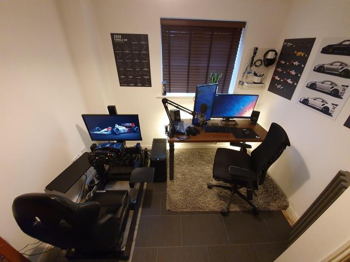 Show_Your_PC_Desk_Part224_03.jpg