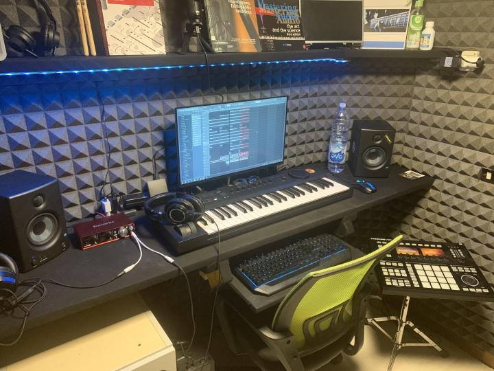 Show_Your_PC_Desk_Part224_12.jpg