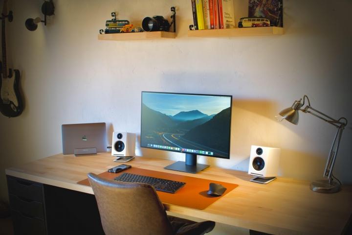 Show_Your_PC_Desk_Part224_17.jpg