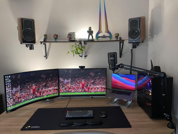 Show_Your_PC_Desk_Part224_27.jpg