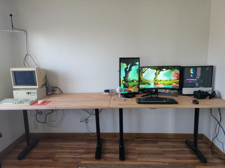 Show_Your_PC_Desk_Part224_31.jpg