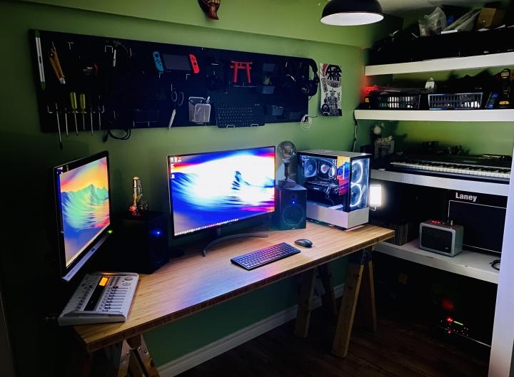 Show_Your_PC_Desk_Part224_35.jpg
