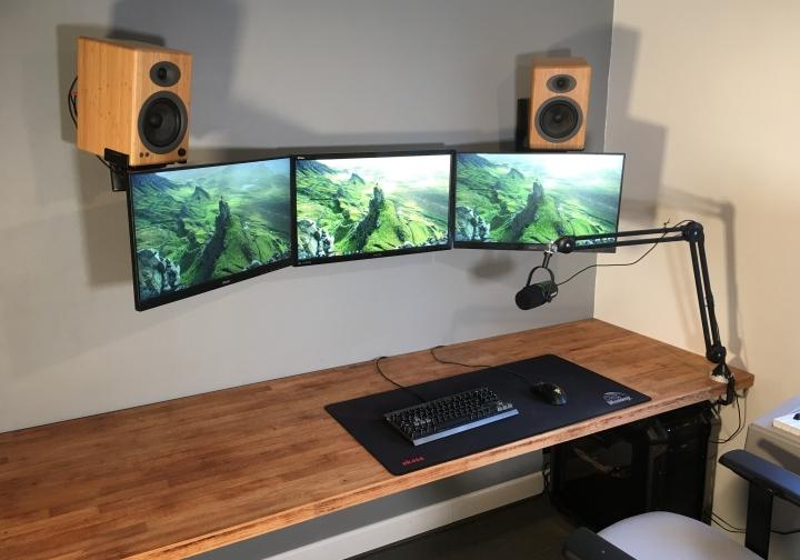Show_Your_PC_Desk_Part224_41.jpg