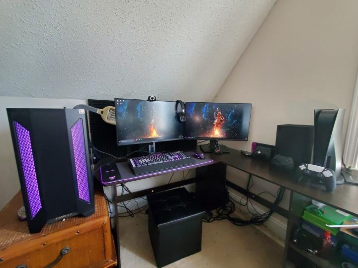 Show_Your_PC_Desk_Part224_44.jpg