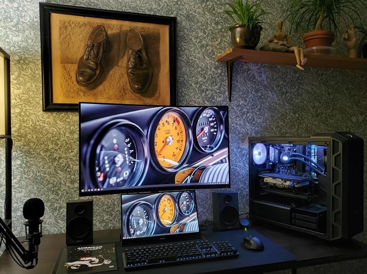 Show_Your_PC_Desk_Part224_53.jpg