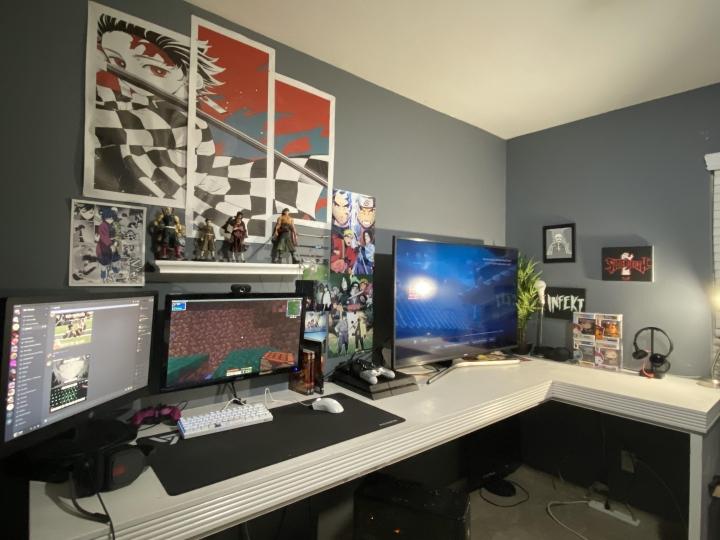 Show_Your_PC_Desk_Part224_90.jpg